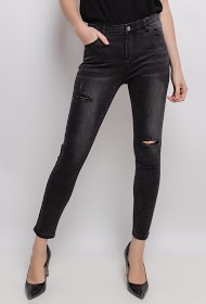 DAYSIE skinny jeans with torn knees