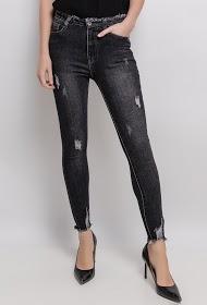 DAYSIE worn skinny jeans