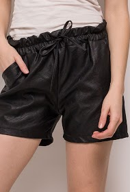 ESTEE BROWN shorts aus kunstleder
