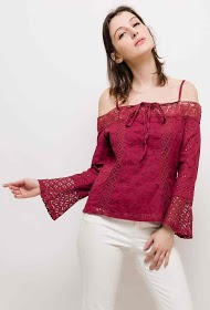 IN VOGUE embroidered and perforated blouse