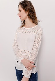 JAUNE ROUGE blouse with lace
