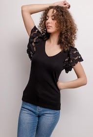 JOLIO & CO t-shirt with lace sleeves