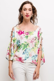JÖWELL floral top with open shoulders