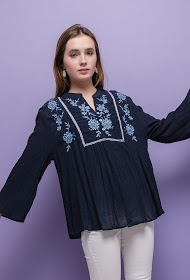 KY CRÉATION bohemian embroidered blouse