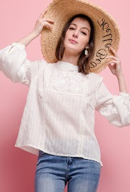 KY CRÉATION embroidered blouse