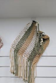 LA P'TITE CACHOTTIÈRE net bag + pearls