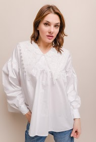 LILY MCBEE blouse with lace