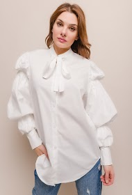 LILY MCBEE loose shirt with lace