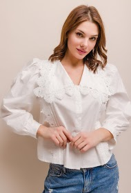 LILY MCBEE shirt with lace