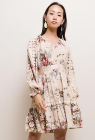 LILY MCBEE flowery dress with embroidered detail