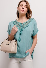 LIN&LEI blouse with lace