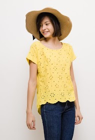 LIN&LEI t-shirt with english embroidery