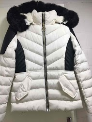 LOOKING short quilted jacket