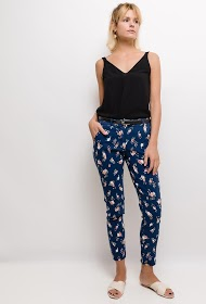 LOOKING pants with small flowers