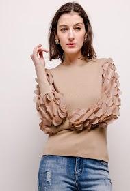 LOVIE LOOK textured sleeve sweater