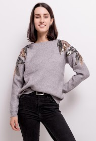 LOVIE LOOK sweater with sequins