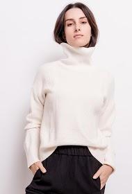 M&G MONOGRAM twisted turtleneck sweater