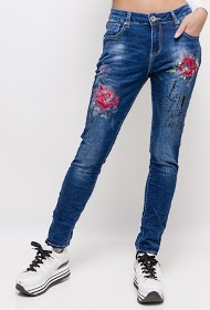 MOZZAAR  FOREVER jean with painted flowers and embroidery