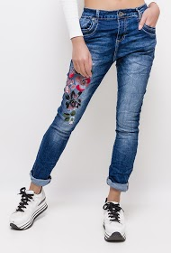 MOZZAAR  FOREVER jeans with flowers painted and embroidered