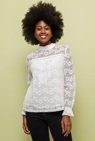 NOÉMIE & CO lace blouse