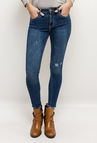 QUEEN HEARTS skinny jeans with torn ankles