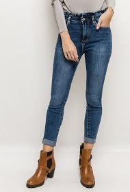 QUEEN HEARTS jeans with ruffles at the waist
