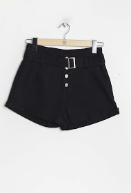 SIMPLY CHIC buttoned shorts with belt