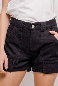 SIMPLY CHIC shorts with pockets