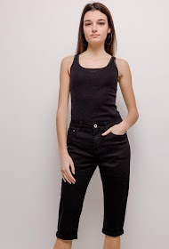 SIMPLY CHIC cropped