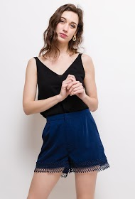 SOPHYLINE shorts with lace