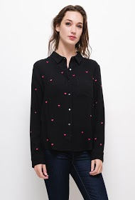 SOVOGUE shirt with embroidered hearts