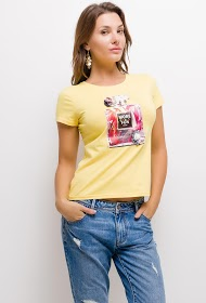 SOVOGUE t-shirt with perfume and rhinestones