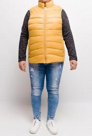 SPATIAL sleeveless jacket