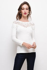 UNIKA blouse with lace