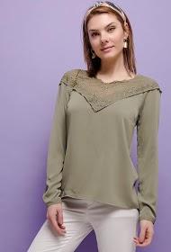 UNIKA blouse avec dentelle