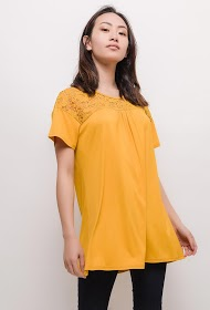 VETI STYLE tunic with lace