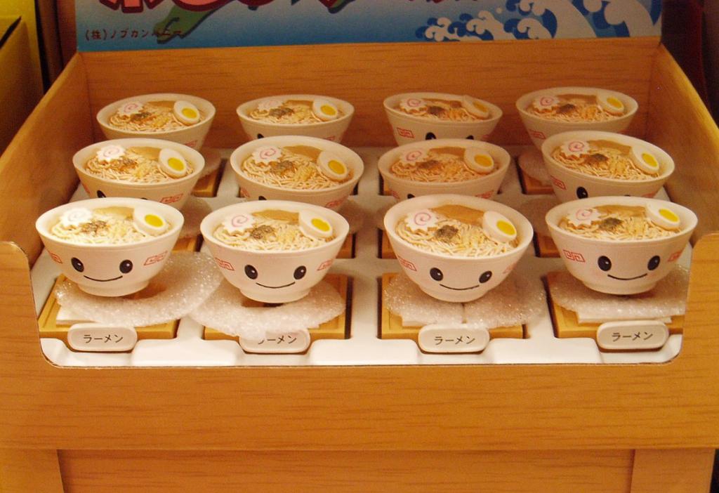 Ramens préparés et servis dans des bols japonais
