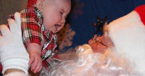 Des enfants terrifiés par le Père Noël