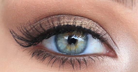 Comment faire ressortir vos yeux, quelle que soit leur couleur