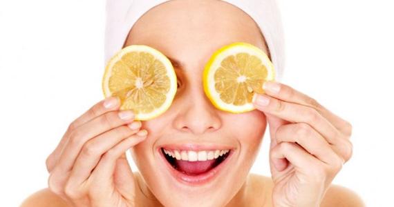 8 utilisations beauté simples à faire avec du citron!