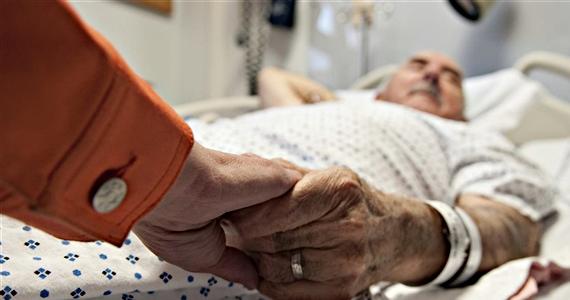 Un homme de 90- ans ce voit offert du viagra à sa maison de retraite. La raison? MDR!