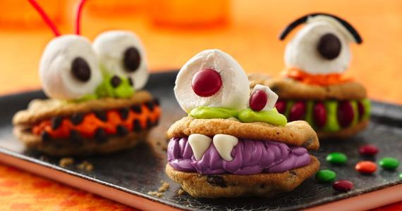 Des biscuits MONSTRE qui volent la vedette!