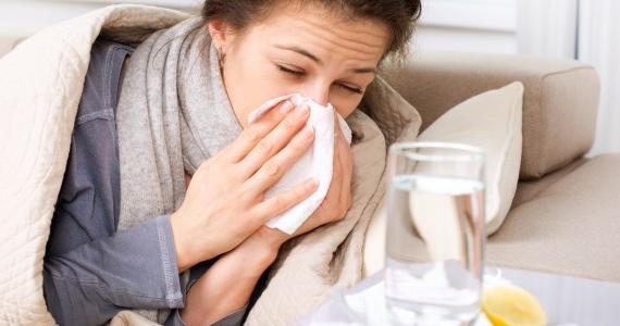 Remède maison contre la toux et les maux de gorge