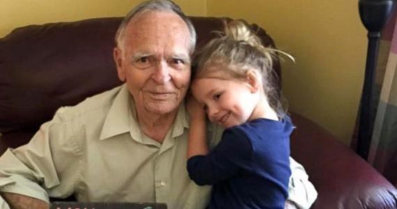 Comment un câlin d'une petite fille a transformé la vie d'un vieillard