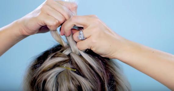 10 tresses super simples pour cheveux courts