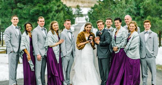 Les invités-surprises au mariage de deux vétérinaires charment les invités