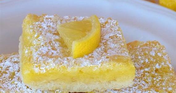 Ces carrés au citron seront des incontournables à vos prochains BBQ