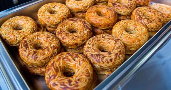Les beignes au spaghetti arrivent près de chez nous… et chez nous très bientôt
