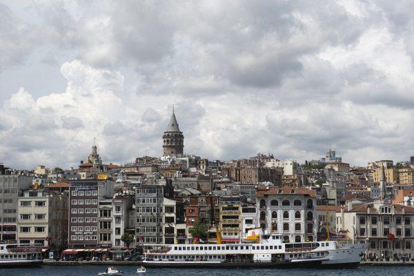 İstanbul'da evini satmaya çalışanlar yaşadıkları süreci anlattılar.