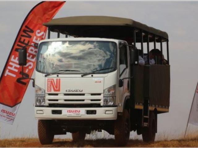Commercial ISUZU N-SERIES NPS 300 5 2 4X4 SWA F-C | McCarthy co za